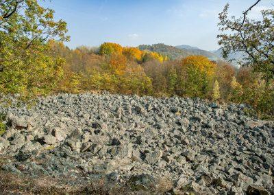 Malé jesenné objavovanie – Kamenné more a prameň Ľadienka