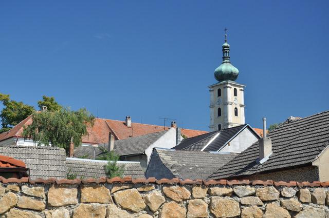 K Čachtickému hradu