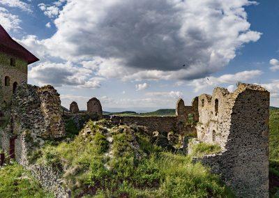 Malé letné objavovanie – Hrad s výhľadom do dvoch krajín