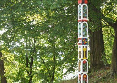 Za vyrezávanými detvianskymi krížmi
