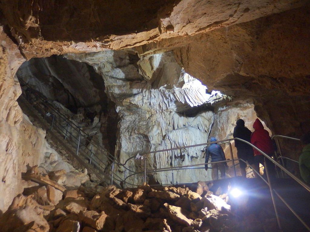 Za krásami Harmaneckej jaskyne