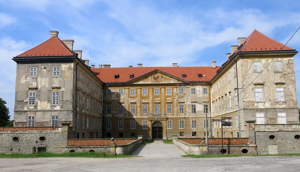 Za Holíčskym zámkom a slovenským Stonehenge na moravsko-slovenskom pohraničí
