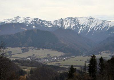 Nad Vadičovskou dolinou
