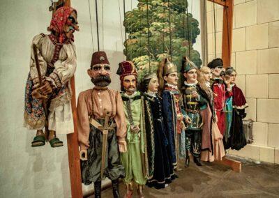 Malé letné objavovanie – Múzeum bábkarských kultúr a hračiek na hrade Modrý Kameň