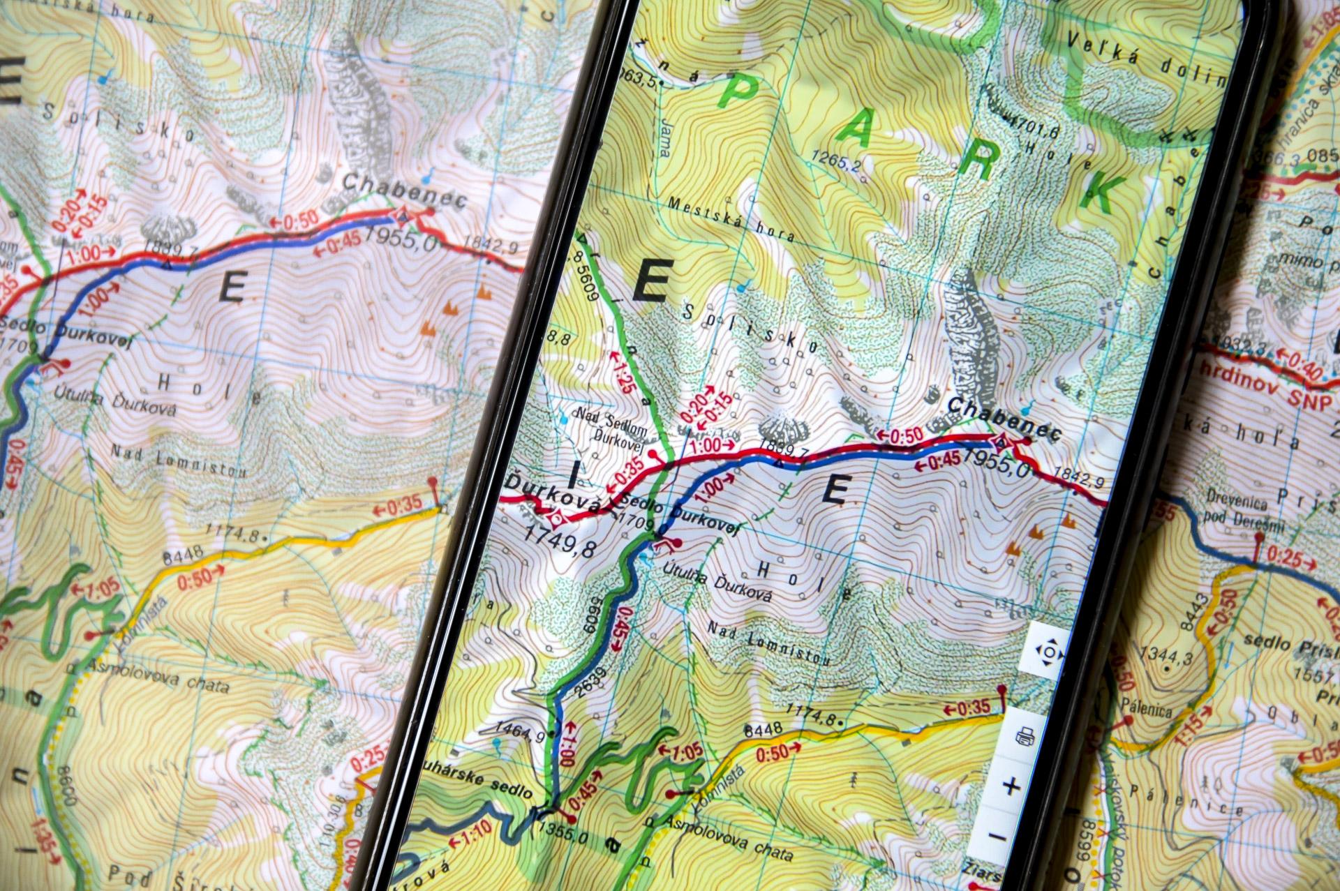 Mapy VKÚ sú online